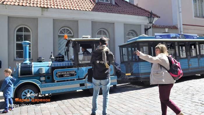 Оригинальное транспортное средство в старом Таллинне